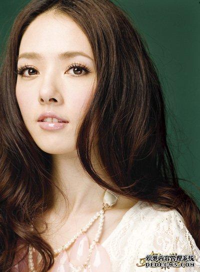 怀旧版传奇宣布百万签约益达女孩郭碧婷